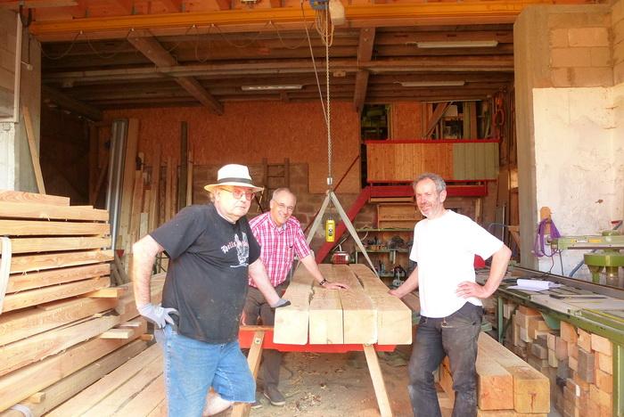 Reinhold Melzer, Hubertus Protz und Dieter Gottmann in der Zimmerei