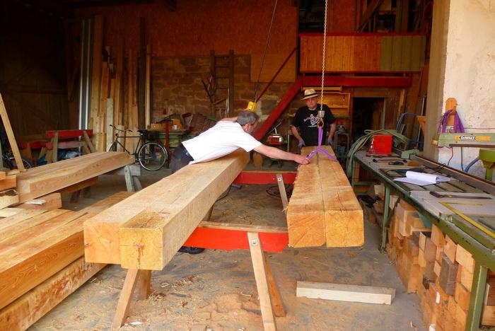 Rauf mit dem Holz und an die Arbeit!
